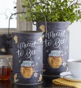 meant to bee tin canisters
